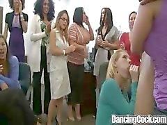 Dancingcock Black Bear Ejaculação Festa