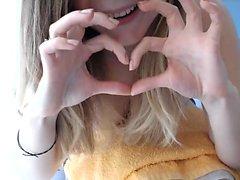 Europäische blonde Teenager Sirene Marry Queen gibt Blowjob