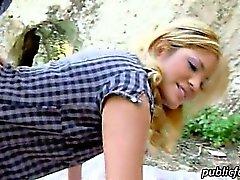 Blondi Latinan Kazzandra sekaisin julkisessa