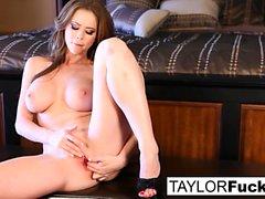 Emily Addison und Taylor Vixen Fuß-Fetisch