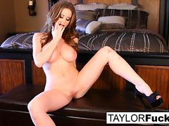 Emily Addison och Taylor Vixen Foot Fetish