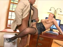 Boss likes to reward by sex secretary