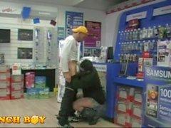 2 gars à obtenir sur un magasin Fastenal