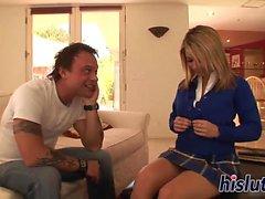 Fantastic schoolgirlen Ashlynn Brooke blir påsatt hårt för