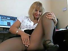 Eski sekreter külotlu çorap pozlar