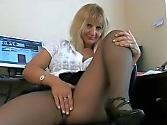 alten Sekretär stellt in Strumpfhose
