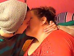 This Is à baiser français - fille sur la fille