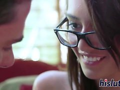 Bespectacled skinny stunner has her pussy pummeled