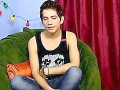 Гей порно Восемнадцатилетний Жуан Лавелл является испанский ИМПО