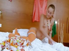 bony russian chick Natasna dildoing