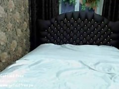 girl milanamoon playing on live webcam - find6