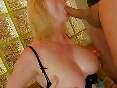 Sexy della nonna grosse tette fa scopare ruvida
