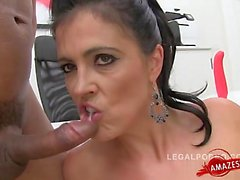 Glamour model deep throat swallow