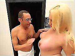 Horny Jessica Villarreal takes in hardcore cock from Ramon!