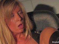 Doublez le problème avec pornstar blonde Brooke Banner