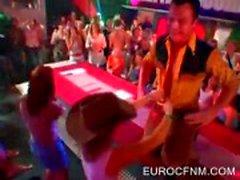 Lucky sletten dansen met stripper