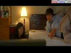 Корейский видеосигнал молодая пара переживающем трудное время с их сексуальную жизнь