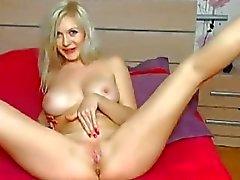Blonde lindo a fode bichano com o dildos Enorme