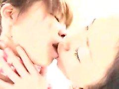lesbiennes japonaises Ravishing savourant le goût de chaque othe