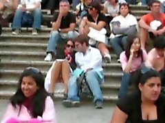 Voyeur 5 Babe upskirt op de trap met vriendje ( MrNo )