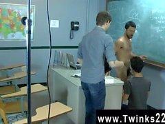 Homosexuell Sex Nur ein weiterer Tag auf der Teachen Twinks zu Büro! Jason Alcok