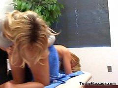 Daphne Rosen dà la sua Cliente massaggio