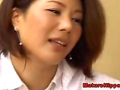 japanese mature milf giving head