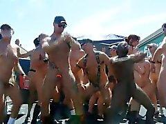 Di Dancing nuda nella pubblico