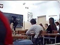 Nackt im Klassenzimmer - Nude in Unterricht