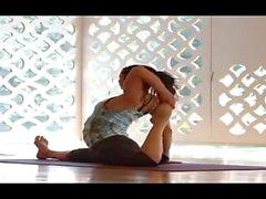 yoga icstructor
