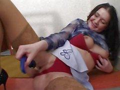 Amateur girl masturbates for the camera