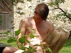 Bewunderer Burschen Sex auf Baumstämmen