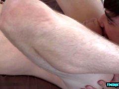 Stor kuk twinks analsex med cumshot