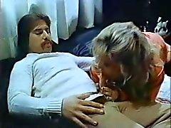 Tongue 'N Cheek (1984) - Kristara Barrington, Desiree pista