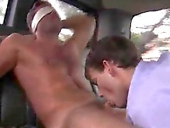 Jungen sich Blowjob vid Jakob