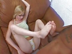 Lain Oi Footjob And Cum On Glass...