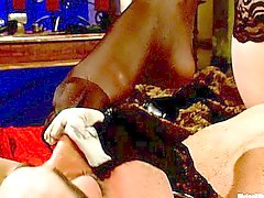 Madeline onu köle strapping Maitrese