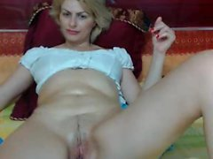 Carol Goldnerova busty blonde solo onanerar