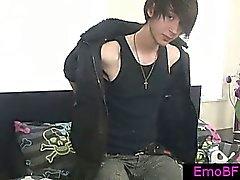 Gayvänligt för Emo kompis rycka sin prick