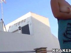 Krakenhot - Voyeur video de uma mulher madura nua ao ar livre