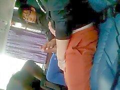 Zwei geilen Jungs im Bus