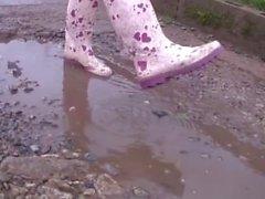 Ella jolie feet in puddles