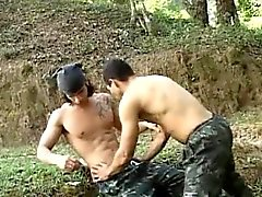 Hot Latin Nature Sexe militaire