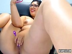 Big boobs cam sex toys posing