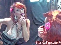 Kinky MILF Shanda Fay masturboi sukat !