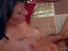 Pussy licking Rocco Reed gets Handjob from Zoe Holloway