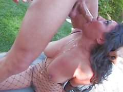 Charley se fait baiser par sa piscine avec Nick Manning - Scène 1