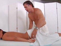 Varm massage som leder till sex