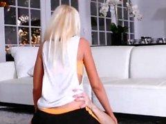 Teen anal Fist Cam Stretching Ihre Stiefmutter