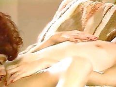 Retro lesbians in romantic lesbi passion
